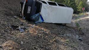 Bursa'da işçi servisi devrildi: 2'si ağır, 10 yaralı