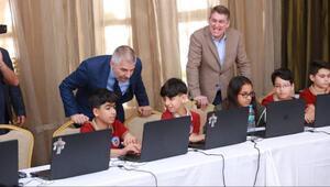 Vodafonedan Mersinli çocuklara kodlama eğitimi