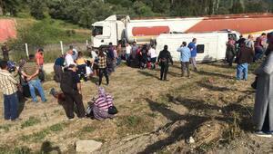 Antalyada tanker ile öğrenci servisi çarpıştı: 16 yaralı (2) - Yeniden