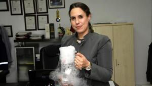 Alkol fabrikası, havaya bıraktığı karbondioksiti buza dönüştürdü