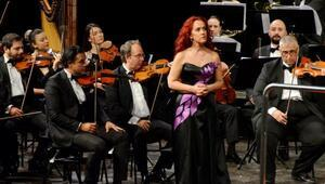 Senfonide piyano ve opera keyfi