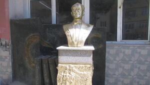 Şarköyde Atatürk büstüne çirkin saldırı (2)