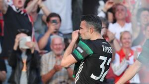 Van Persie attı, Feyenoord Hollanda Kupasını kazandı