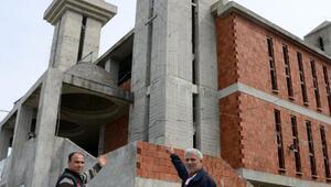 Kiliseye benzetildiği için bağış yapılmayan cami, 12 yıldır tamamlanamadı