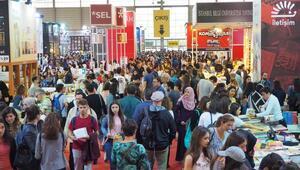 23. İzmir Kitap Fuarı Rekor Ziyaretçi Sayısı İle Sona Erdi