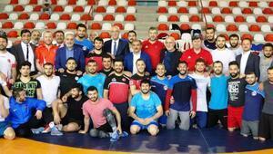 Milli güreşci Taha Akgül, gözünü 6ncı Avrupa şampiyonluğuna çevirdi