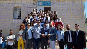 Afrindeki asker ve üniversitelilerden köy okullarına destek