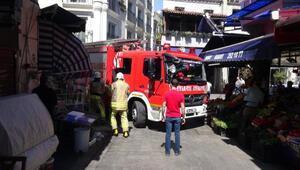 Beyoğlunda itfaiyenin tente mücadelesi