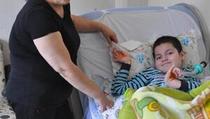 SMA hastası oğluyla yaşam mücadelesi veriyor