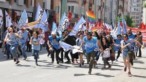 Eskişehir Şeker Fabrikası önünde 1 Mayıs kutlaması (2)
