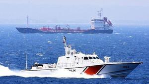 Egede Türk kargo gemisi ile Yunan savaş gemisi çarpıştı