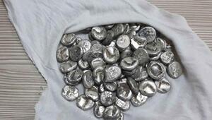 Dalamanda Bizans dönemi 76 gümüş sikke ele geçirildi