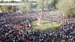 Edirne Kakava şenliklerinde dev ateş yakıldı