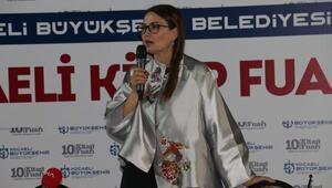 Azerbaycan Milletvekili Ganire Paşayeva, gençlerle buluştu