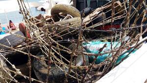 Marmariste deniz dibinden 2 ton çöp çıktı