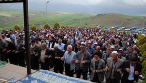 Yağmur ve şükür duasına 2 bin kişi katıldı