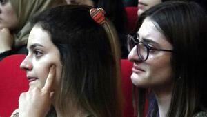 Cinsel istismarı anlattı, tüm üniversite ağladı