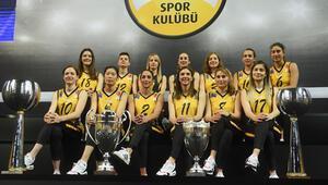 Avrupa Şampiyonu VakıfBanktan kupa şov