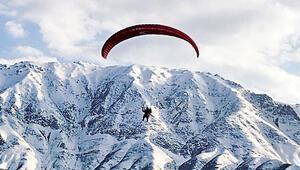 Kato Dağında artık paraşütler uçuyor