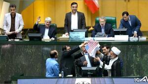 Son dakika.. İrandan çok sert sözler... Vekiller ABD bayraklarını yaktı
