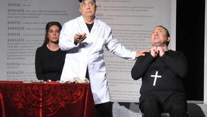 İş insanları, çocuk istismarına karşı tiyatro sahnesine çıktı