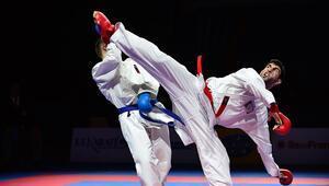 Karatede bir altın bir bronz
