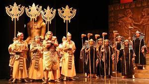 Aida son kez sahnede