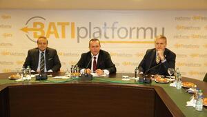 KKTC Turizm Bakanı Ataoğlu:Kıbrıs çevresindeki gelişmeler turizmi vuruyor