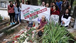 Öldürülen çevreci çift, mezarları başında anıldı