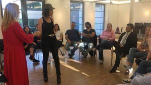 Tiyatrocu adaylarına etkili iletişimi anlattı