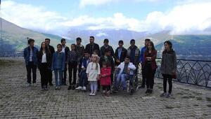 Engelli öğrencilerden 'Engelsiz bir dünya' klibi