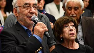Şener Şen ve Ayşen Gruda yıllar sonra yan yana