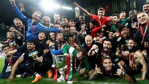 Akhisarspordan tarihi zafer Fenerbahçeyi devirip kupayı aldılar