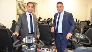 Hollandalı iki gurbetçi, Samsun'a 76 akülü engelli aracı gönderdi