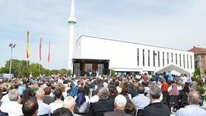 Aachen Yunus Emre Camisi ve Kültür Merkezi açıldı