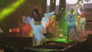Ünlü şarkıcı Inna sahneden düştü