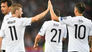 Löwden Dünya Kupası için sürpriz tercihler Mario Gomez...
