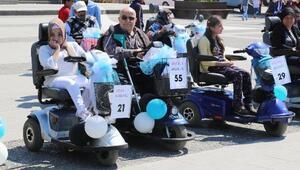 Samsunda 76 akülü engelli aracı, sahiplerine teslim edildi