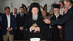 Bartholomeos, manastırın açılışını yapıp, ayin yönetti