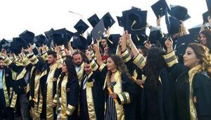 Anamur'da mezuniyet sevinci