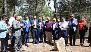 Şehit Tabip Binbaşı Mehmet İsmail mezarı başında anıldı