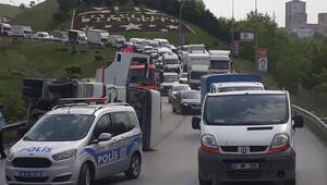 Başakşehirde kaza... İstanbulda trafik durma noktasına geldi