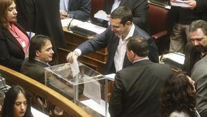 Yunan meclisi Novartis dosyasını yargıya sevk etti