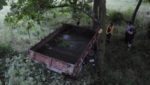 Bahçeye devrilen traktörün altında kalarak öldü