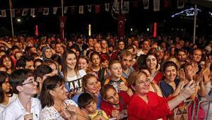 Konakta Mehmet Erdemli kutlama