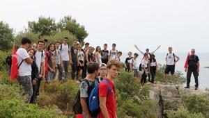 İzmirin dağlarında gençlik ateşi