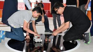 Elazığda genç mucitlerin robotları yarıştırıldı