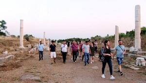 Öğrencilerin Sidede arkeoloji turu