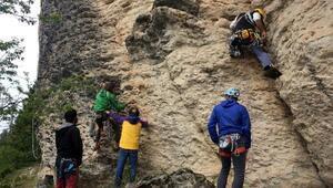 Doğankaya Dağı, yeni rotalarla kaya tırmanışçılarının gözdesi