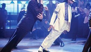 Michael Jacksonın ünlü duruşunun sırrı çözüldü